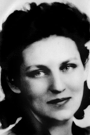 tillie olsens yonnondio Tillie olsen's unfinished proletarian novel yonnondio: from the thirties (1974) is a work that the author began drafting during the 1930s but was not completed and published until the 1970s.